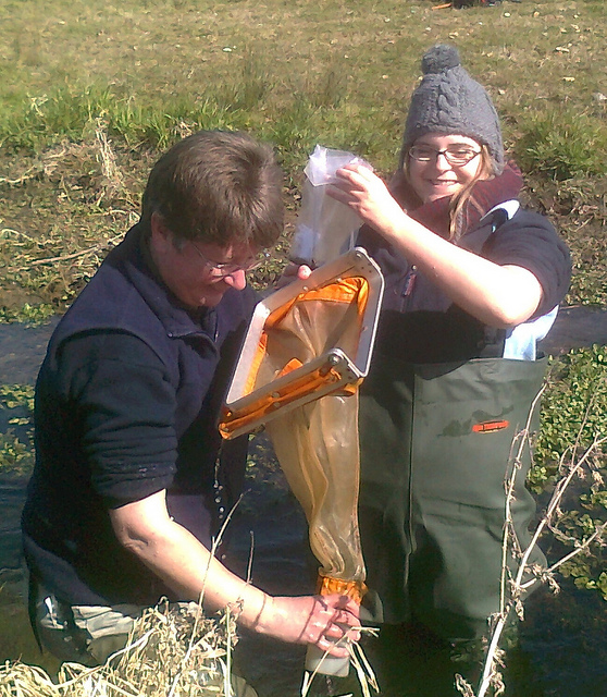 Mel and Laura emptying the surber sampler